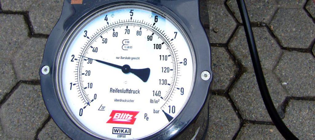 Lufttrycksmätare för att mäta lufttryck i däck